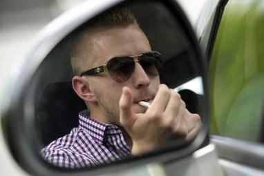 interdiction de fumer en voiture en pr s. Black Bedroom Furniture Sets. Home Design Ideas