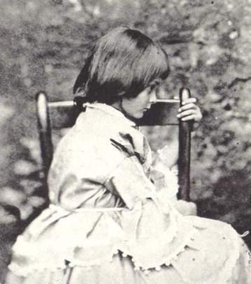 Lewis Carroll - La Revue des Ressources | PHOTO : PⒽⓄⓣⓄ ⅋ + | Scoop.it