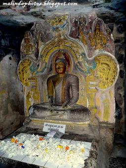 Malinda Pathirana Photography : Gadaladeniya Temple, Pilimathalawa. | The Blog's Revue by OlivierSC | Scoop.it
