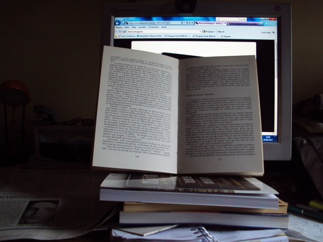 Reading a book versus a screen: Different reading devices, different modes of reading?   Evolução da Leitura Online   Scoop.it