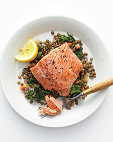 Wild Salmon with Lentils and Arugula - Whole Living Eat Well | À Catanada na Cozinha Magazine | Scoop.it