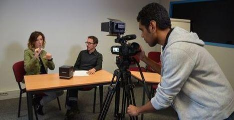 Deux étudiants sourds sur la voie du journalisme | Le temps du citoyen | Pour les sourds, et les autres... | Scoop.it
