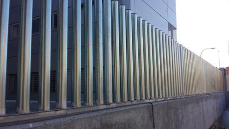 verjas empalizadas con tubos de hierro metlicos vallas cercados verjas