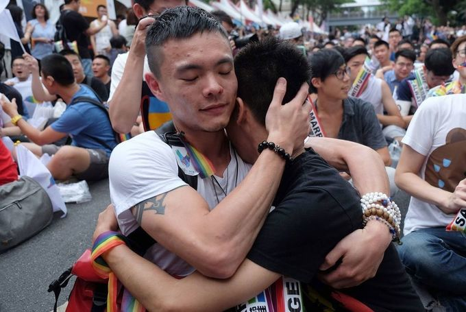 Taiwan Gay Marriage Ruling Widens Political Divide With China