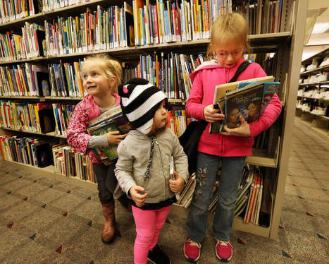 Library supporters stand against cutting branches | Local News | The Register-Guard | Eugene, Oregon | Librarysoul | Scoop.it