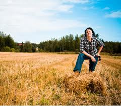 THE FEMALE FACE OF FARMING : No Longer a 'Man's World' | YOUR FOOD, YOUR ENVIRONMENT, YOUR HEALTH: #Biotech #GMOs #Pesticides #Chemicals #FactoryFarms #CAFOs #BigFood | Scoop.it