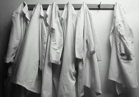 « Et toi, tu te la rases comment, ta ch… ? » : quand « Paye ta blouse » dénonce le sexisme ahurissant du domaine médical - Elle | Jeunes Médecins et Médecine Générale | Scoop.it