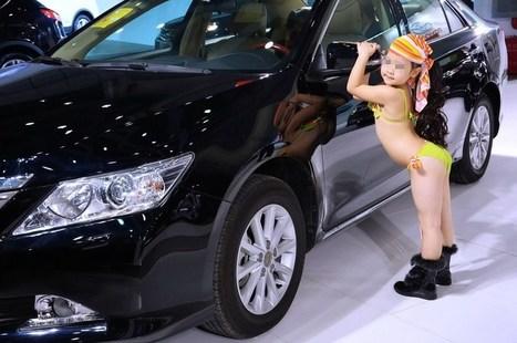 Little Girls In Bikinis At Chinese Car Show Con - Asian car show girls