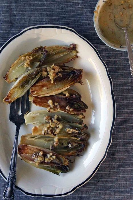 Roasted Endive with Walnut Vinaigrette | À Catanada na Cozinha Magazine | Scoop.it