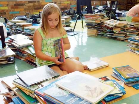 Teacher, students overhaul school's library - Daily Comet | SchoolLibrariesTeacherLibrarians | Scoop.it