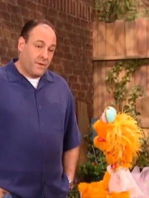 'Sesame Street' Revisits James Gandolfini's Charming Guest Role (Video) | Le Journal de la Télé - Nostalgie | Scoop.it