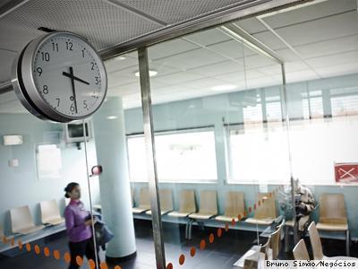 Ministério da Saúde gastou 70 mil para estudar nova grelha salarial dos médicos- Economia - Jornal de negócios online | Navegando | Scoop.it