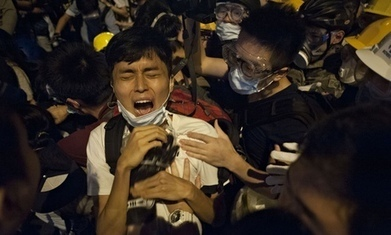 Hong Kong protesters and police face off as violent exchanges continue | AUSTERITY & OPPRESSION SUPPORTERS  VS THE PROGRESSION Of The REST OF US | Scoop.it