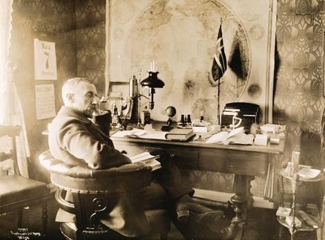 Canmore author Stephen Bown rediscovers greatest Arctic explorer, Roald Amundsen | Antarctica | Scoop.it