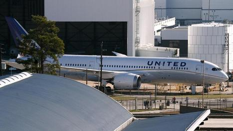 Passenger awakes to find himself locked in plane | Radio Show Contents | Scoop.it