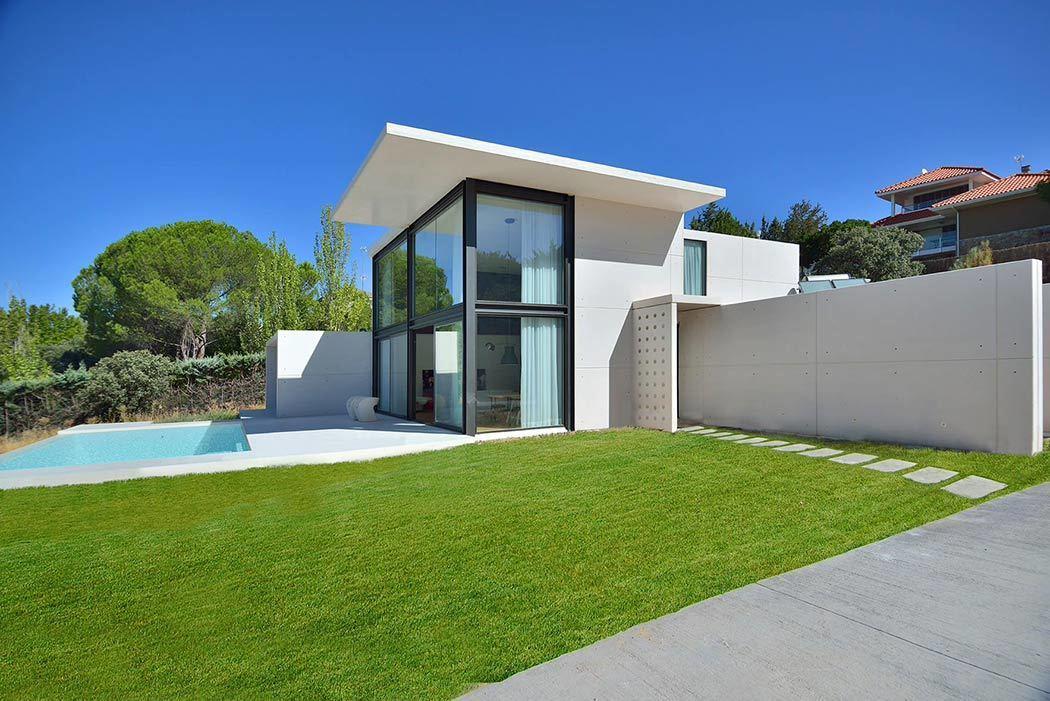 maison contemporaine modulaire en b ton. Black Bedroom Furniture Sets. Home Design Ideas