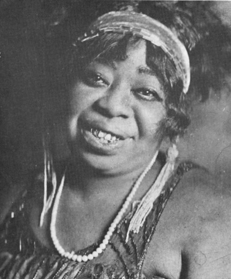 Ma Rainey, the Mother of Blues, Stormed Stages and Threw Illegal Orgies | Vintage and Retro Style | Scoop.it