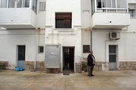 Los inmuebles antiguos sin ascensor podrán instalarlo en sus patios de luces - La Tribuna de Albacete   Aparejadores Castilla-La Mancha   Scoop.it