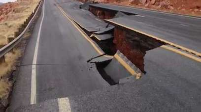 2 Cars Swallowed By Sinkhole | Geography News | Scoop.it