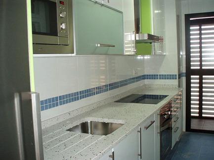 C mo hacer mi cocina verde casa ecol o for Gabinetes en cemento