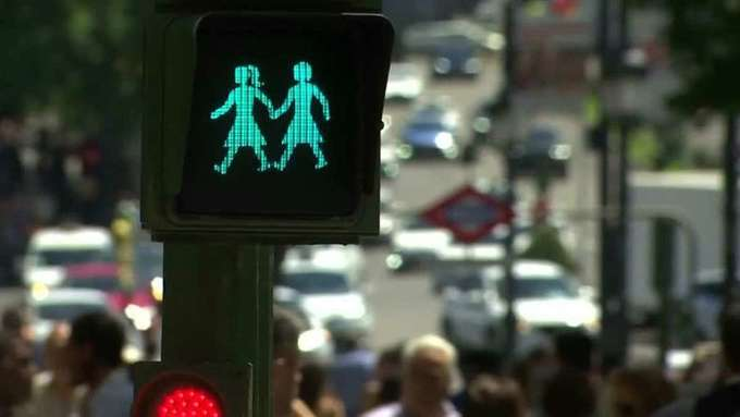 Madrid gears up for WorldPride with gay-themed street lights (VIDEO)