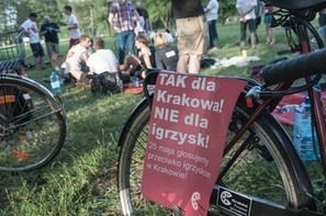 Aiming at Poland's Neoliberal Goliath - Transitions Online | Global Organization Trends | Scoop.it