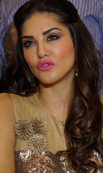 Sunny Leone In Pink Long Skirt and Golden Sleeveless Top - New year 2015 Pictures, Actress, Bollywood, Hollywood, Western Dresses | Indian Fashion Updates | Scoop.it