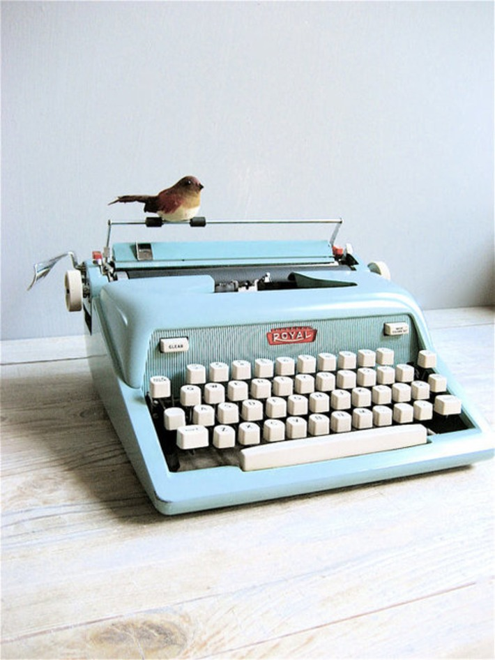 1950's Royal Typewriter by lovintagefinds on Etsy | Antiques & Vintage Collectibles | Scoop.it