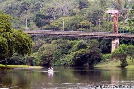 Historic Hawksworth Bridge spans between San Ignacio and Santa Elena in the Cayo District of Belize | Belize in Photos and Videos | Scoop.it