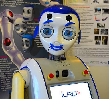 [IROS 2012] Iuro le robot urbain intéractif qui cherche son chemin à travers les villes... | Bots and Drones | Scoop.it