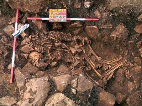 Un couple préhistorique enlacé découvert en Grèce | articles Préhistoire | Scoop.it