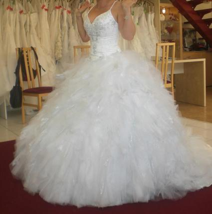 magnifique robe de mari e style princess. Black Bedroom Furniture Sets. Home Design Ideas