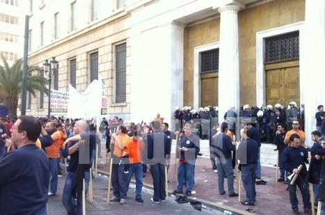 Riot police attacked to protesting dockworkers in front of the Bank of Greece | Occupy Belgium | Scoop.it