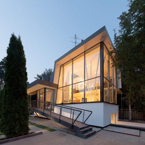 dDvqmjpFUDz6q9HQj9ezNjl72eJkfbmt4t8yenImKBXEejxNn4ZJNZ2ss5Ku7Cxt - Bold Modern Architecture Details Adorning House N in Moscow