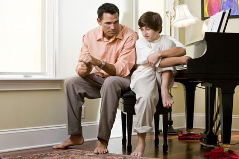 7 Crippling Parenting Behaviors That Keep Children From Growing Into Leaders | Ideas Peques | Scoop.it