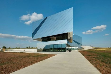 Paläon, Germany: A Futuristic Design Reflects the Surroundings | sustainable architecture | Scoop.it