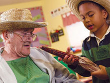 Senior Citizens Help Young Children with Reading -- and Relationships   Educating an educator   Scoop.it