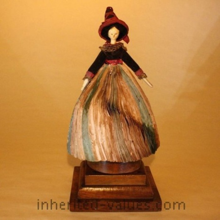 The Halloween Tradition Of Romantic Tricks & Treats | Antiques & Vintage Collectibles | Scoop.it