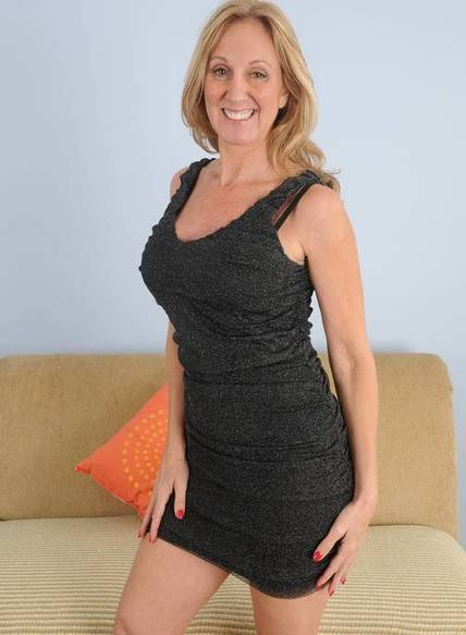 michigan mature singles Dating over 50 in michigan just got a whole lot easier singles over 50 is the united states's favourite over 50's dating website our service is secure, confidential and easy to use.