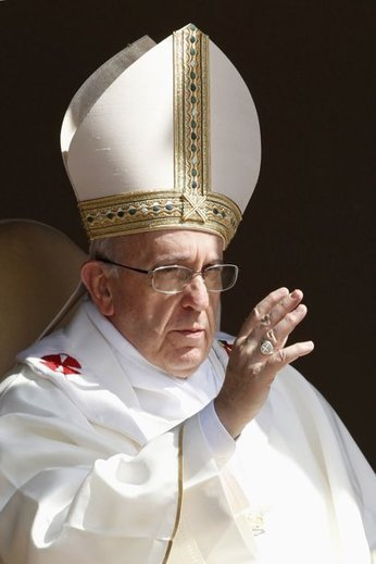 Pope Francis Defrocks and Excommunicates Priest for Views on Gay Marriage | Littlebytesnews Christianity-Catholics-Religious Liberty | Scoop.it