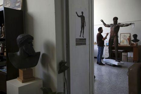 Así trabajan en el único taller que puede copiar las grandes esculturas del  arte clásico griego bfd9354d8b81