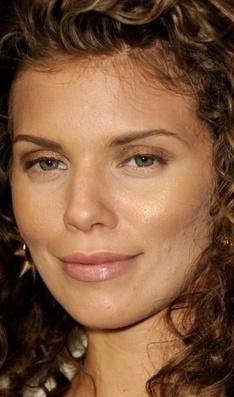 Sombra dourada - Make do dia - CAPRICHO | Moda e Beleza | Scoop.it