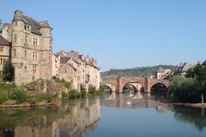 Espalion - Un imposant château fort domine cette ville plantée entre deux rives | L'info tourisme en Aveyron | Scoop.it
