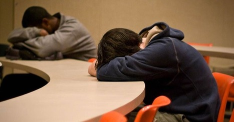 Teens' Bonds with Parents Affect Their Sleep | Radio Show Contents | Scoop.it