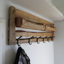 How to make a coat rack with pallets | DIY pallet furniture | pallets furniture | Scoop.it