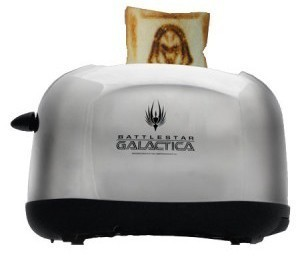 Battlestar Galactica Cylon Toaster produces fanboy-approved bread | All Geeks | Scoop.it