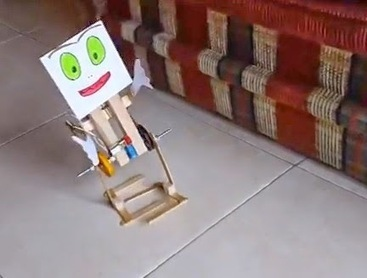 #Robot Caminante en 2 patas - DIY | #Robótica Educativa | #DIRCASA - Automatización, Calor y Control | Scoop.it