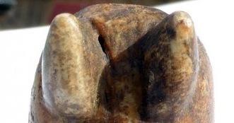 Les Découvertes Archéologiques: Une pièce de jeu d'échecs rarissime découverte dans l'arrière cour d'un musée en Angleterre   Monde médiéval   Scoop.it