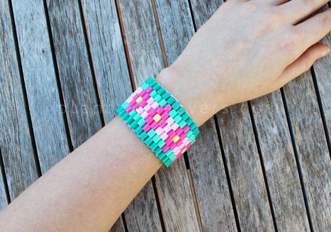 PLASTICA amicizia cord braccialetto pulsante SMARTIE ROSA VIOLA BLU ARANCIO VERDE