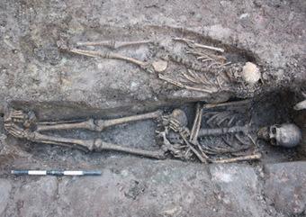 More skeletons found near grave of medieval knight   Monde médiéval   Scoop.it